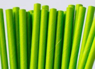 Przewaga ekologicznych słomek z papieru nad plastikowymi